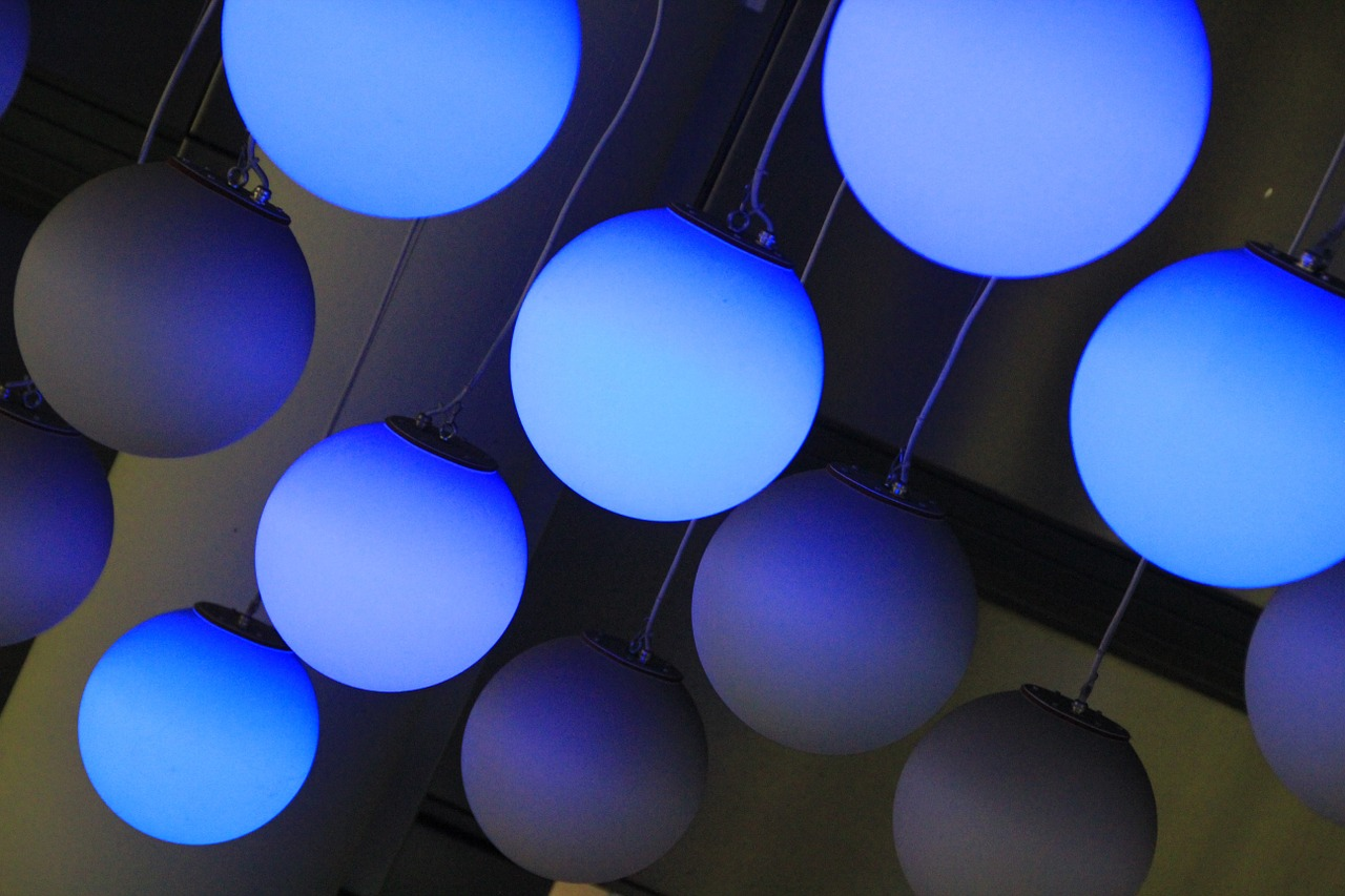 inspirationen zur wohnraumbeleuchtung wohnlicht. Black Bedroom Furniture Sets. Home Design Ideas