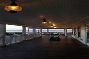 Die richtige Beleuchtung für die Terrassenüberdachung