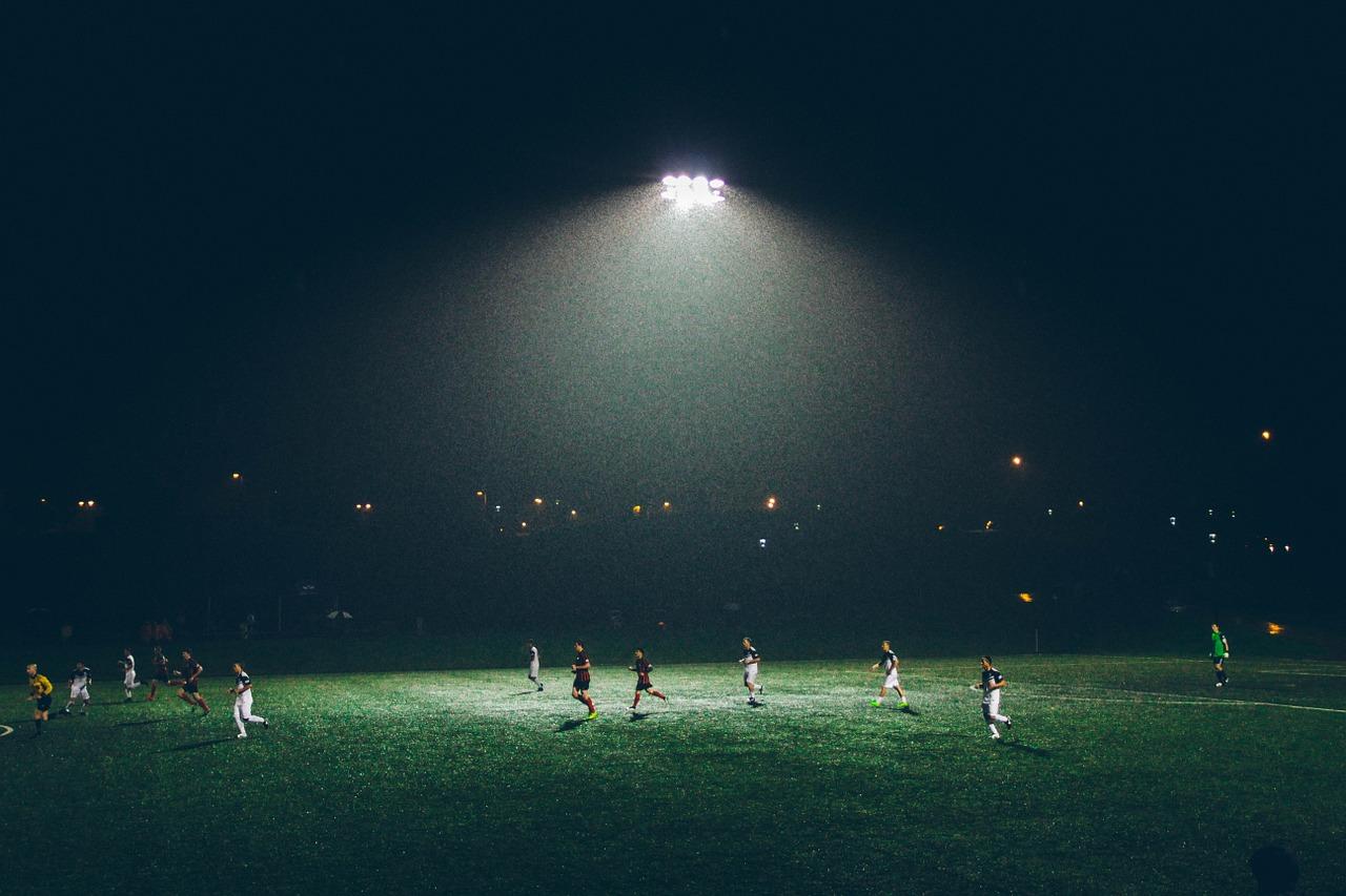 Freitag, 20:30 Uhr - Flutlichtanlagen im deutschen Fußball